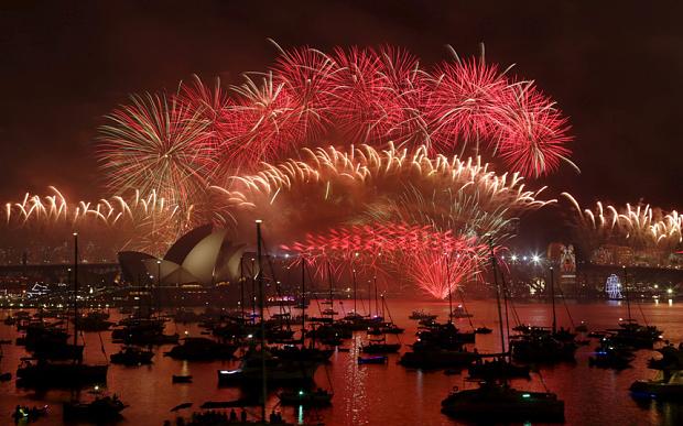 2016-fireworks-syd_3538533b